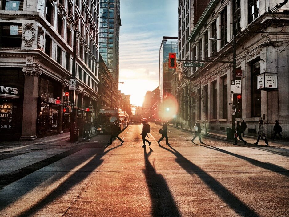 downtown-vancouver-in-the-moment_t20_Rz8mXa